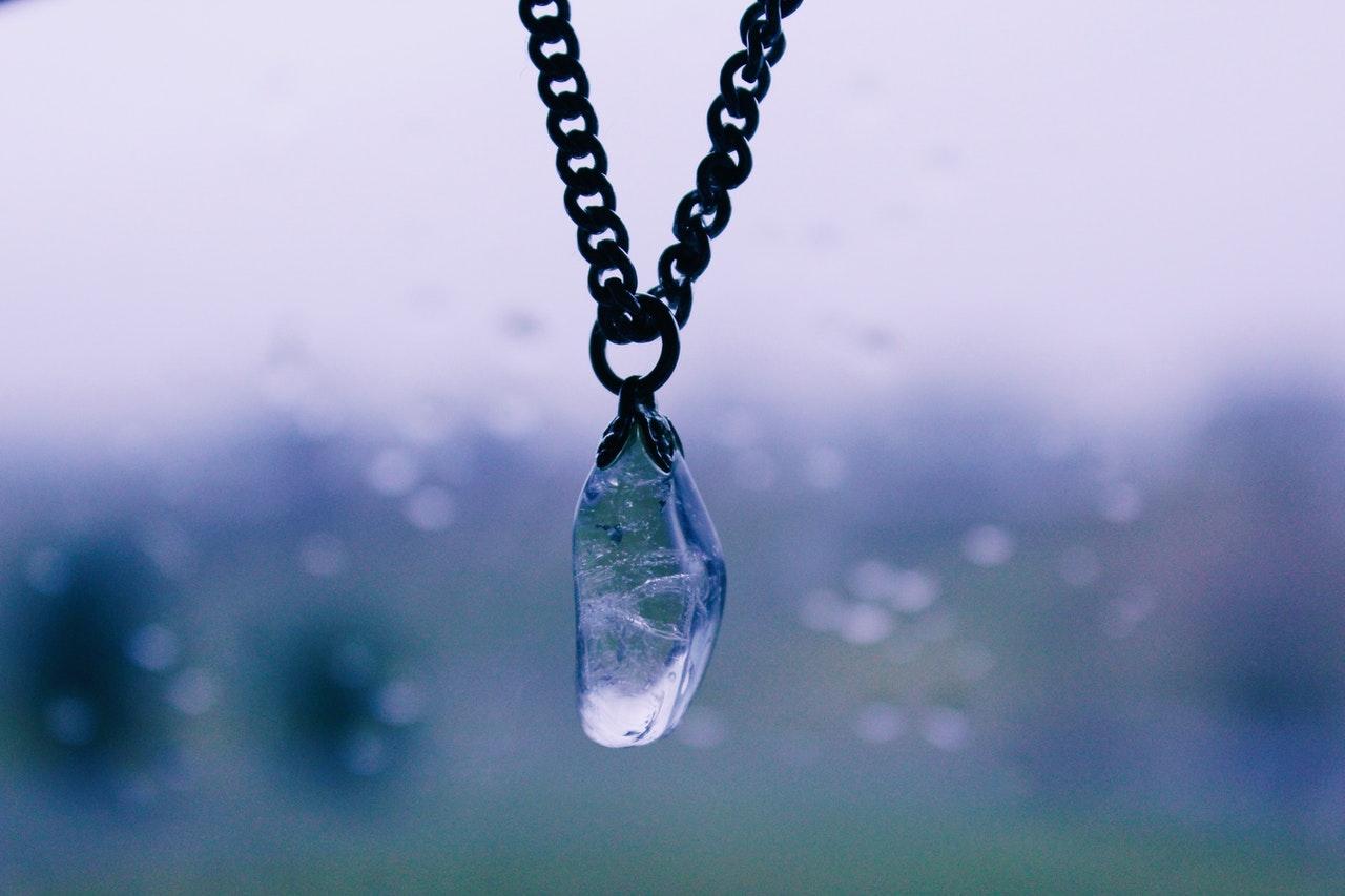 La Symbolique des pierres dans un Bijou Symbolique.